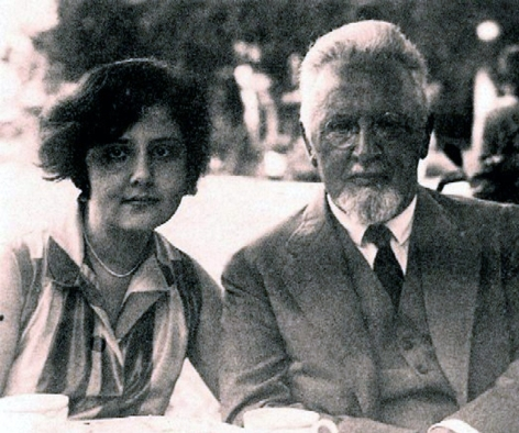 Alma with her father, Arnold, 1927